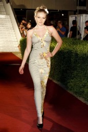 fashion-and-beauty-22-06-2012-204
