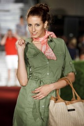 fashion-and-beauty-22-06-2012-259