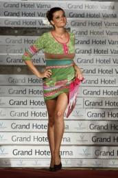 fashion-and-beauty-22-06-2012-293